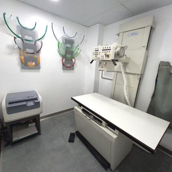 Sala de rayos Hospital Veterinario Patas y Colas